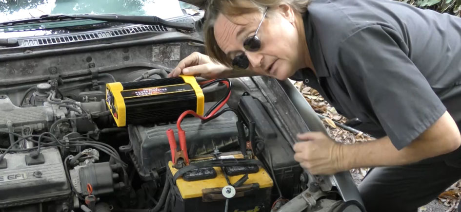 Connect the power inverter to the battery