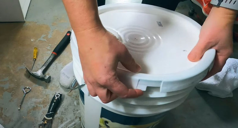 When You Happen To Have An Old Paint Can/Container That Has Its Cover Stuck, How Can You Open It?